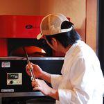 ターボラ - ピッツアは釜で丁寧に焼き上げます。