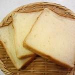 トラスパレンテ - 食パン半斤 130円