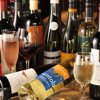世界各国のこだわりワインを種類豊富に取り揃えております!
