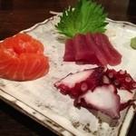 昭和居酒屋 ほっこり亭 - この3種盛り、¥880は残念かな~(・・?))