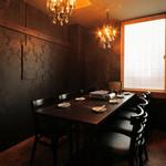 AJITO - 落ち着いた雰囲気の店内は、大小さまざまな個室を豊富にご用意!