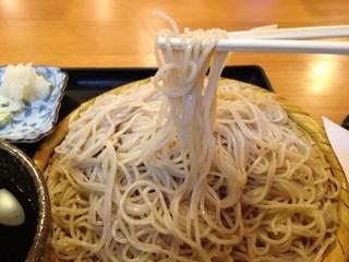 きくや - 喉越しの良い細麺。大盛りはわずか650円でこの質と量!