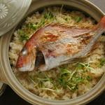 市場食堂 さかなや - 鯛の出汁が染み込んだホクホクの鯛めし¥700