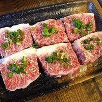 炭焼き屋 西麻布本店 - 黒毛和牛特上ハラミ【1650円】 黒部和牛のハラミはカルビの中でも一番人気です。