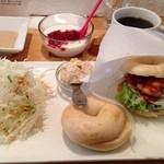 フワモチカフェ - おすすめランチセット 海老トマトソース モンブラン 食べたなー(o^^o)