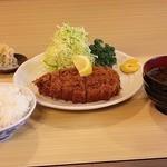 とんかつ 栄 - 料理写真:とんかつ定食上1600円