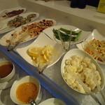 プリマベーラ クラシック - 魚介やサラダビュッフェ。