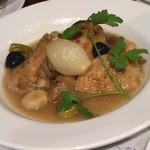 STB139 - 地鶏、オリーブ、ペティオニオン、マッシュルームの煮込み」1,800円