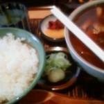 豊年屋 - カレー南蛮蕎麦&半ライス。