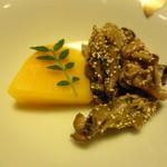 岩亀 - 料理写真:お通し 煮牡蠣のけしのみ和えとかぼちゃ