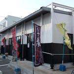 博多 昇龍 - 「博多昇龍」さんの外観。こんな感じのラーメン店。嫌いじゃないです。