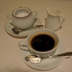 ル・ビストロ クー ドポール - ドリンクはコ―ヒ―のみ。やや苦味が強い味わい