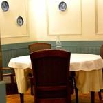 ル・ビストロ クー ドポール - 個室感覚のテ-ブルが、一卓だけある。ある意味特等席