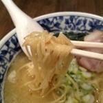 中華そば活力屋 - 麺のアップ