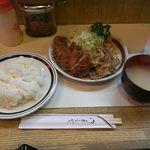 キッチン南海 - チキンカツ、しょうが焼きライス(730円)です!ちょっとピンぼけになっちゃいました。スミマセン!