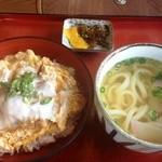 金比羅うどん - カツ丼セット(780円)