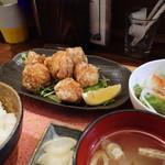 ゴリラ食堂 - 唐揚げ定食