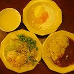 17709020 - 食べ放題のバー(スープ、サラダ、カレー、ライス)