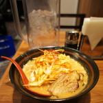 味噌屋 与六 - 炙りチャーシューねぎ味噌らーめん(¥950)