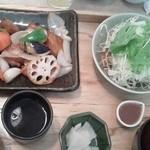 大戸屋 - サラダ大きめ