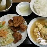 廣東軒 - 唐揚げ定食880円