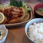 とんかつとん龍 - 料理写真:とんかつ定食1100円