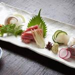 松玄 - 新鮮な刺身や焼物など、おそば以外のお食事メニューも豊富に取り揃えております。