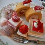17721827 - 苺のデザート食べ放題♪