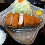 かつ波奈 - 厚切りロースカツ定食