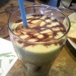 アニ&イバン - アボガドに黒蜜のかかったジュースです。とても美味しい!女性にオススメです!!