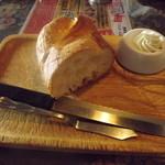 17729884 - ランチのパン(2013.3.9)
