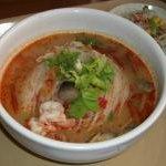 シャム - ランチのトムヤムクン麺