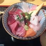 17730251 - 海鮮丼 ¥880