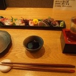 GAZAN - お造り盛り合わせ & 冷酒(富久長 特別純米 いちばんしぼり)
