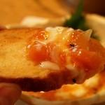GAZAN - ガーリックトーストに乗せて食べる