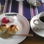 沙羅茶館 - スコーンとブレンドコーヒーのセット 800円