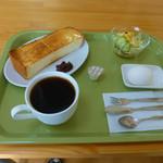 ナスカ - 料理写真:ブレンドコーヒーとモーニングサービス