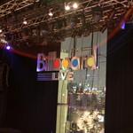 ビルボードライブ東京 - 幕が締まり始めました、さぁ~、始まりますよ