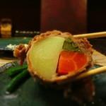 恕庵 - じゃがいも・いんげん・ニンジンを肉で巻いている独創的料理。