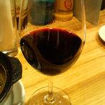 17737584 - チリ産の赤ワイン。品種はカルメネール。