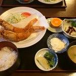 ひろ乃 - 料理写真:大きなエビフライ定食