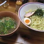 らあめん食堂 - 特製つけ麺 600円 麺は2玉のボリュームです(^^)