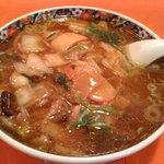 クォウライ - 広東麺 (750円) + 大盛 (100円)