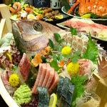 駒八 - 料理写真:豪華!舟盛りは駒八の真骨頂!