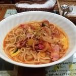 プチカフェ・アリス - ベーコンと野菜辛口トマトスープスパゲティー