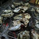 お好み焼き ひろかわ  - 殻付き牡蠣&チヌ