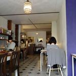 ニコラ - ('13/03)満席の店内は各々がゆったりと待ち時間を楽しんでいるようにも見えました
