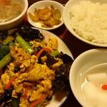 東方飯店 - 豚肉とキクラゲの炒め:780円