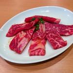 焼肉山陽 - 山陽カルビ(380円)