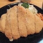 カツ吉 - 浅草名物味噌とんかつ定食(1700円)を注文。